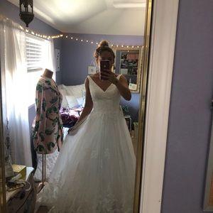 Size 8 Ivory Azazie Gown